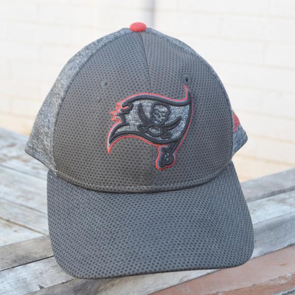 d7dfbc54 NFL Baseball Cap Hat Tampa Bay Buccaneers Gray Red